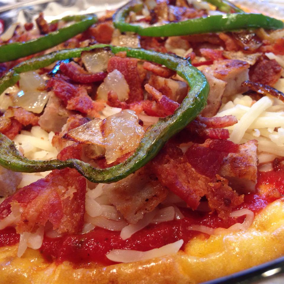 Low-Carb Deep-Dish Breakfast Pizza