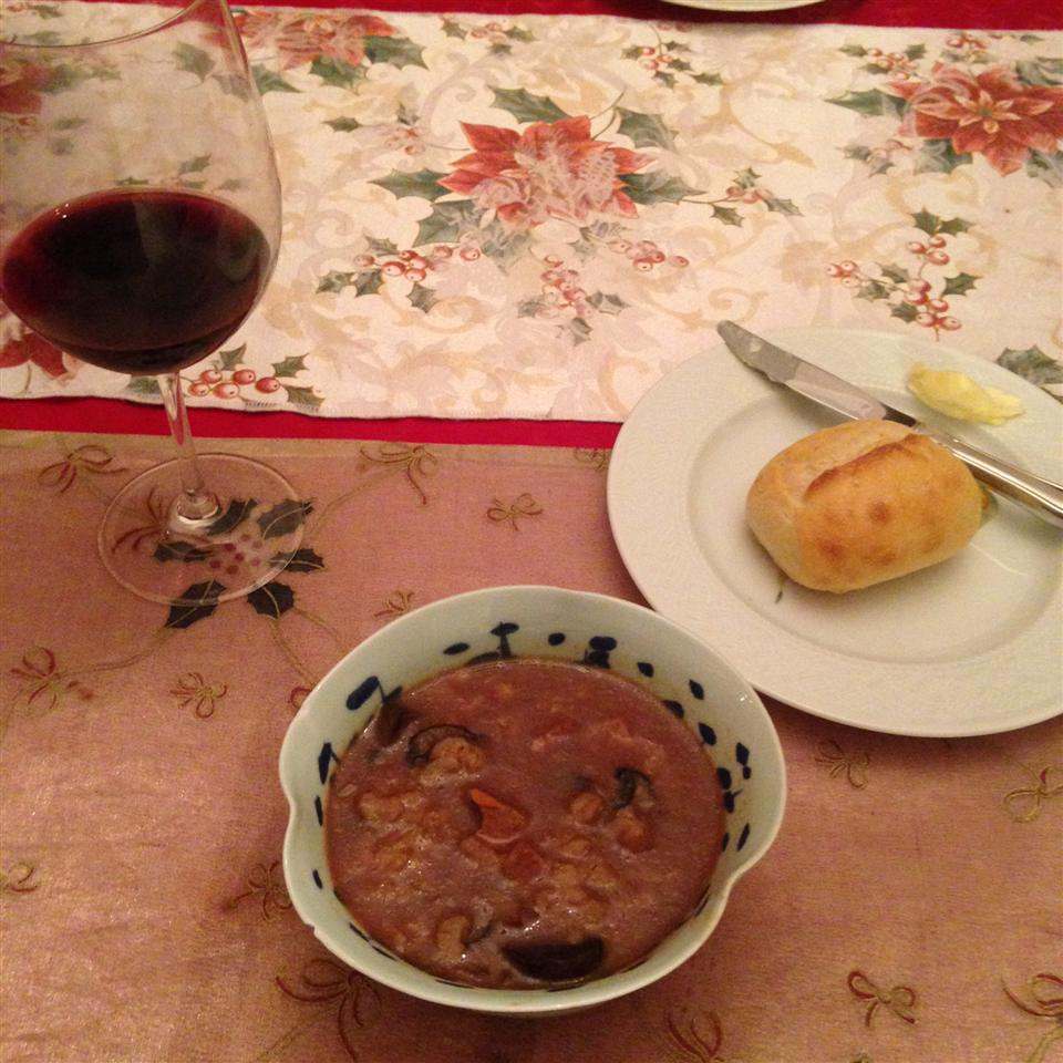 Kelly's Slow Cooker Beef, Mushroom, and Barley Soup connie skoglund