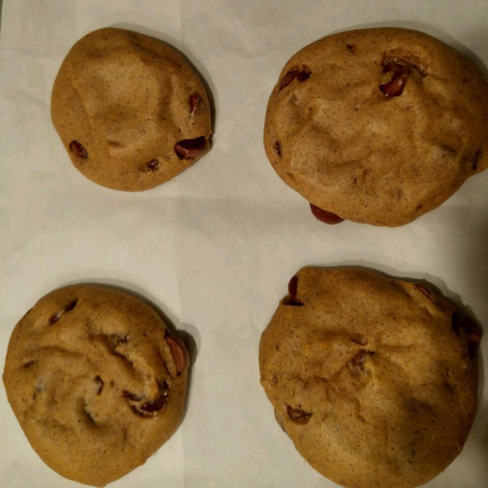 Pumpkin Chocolate Chip Cookies III heather1717