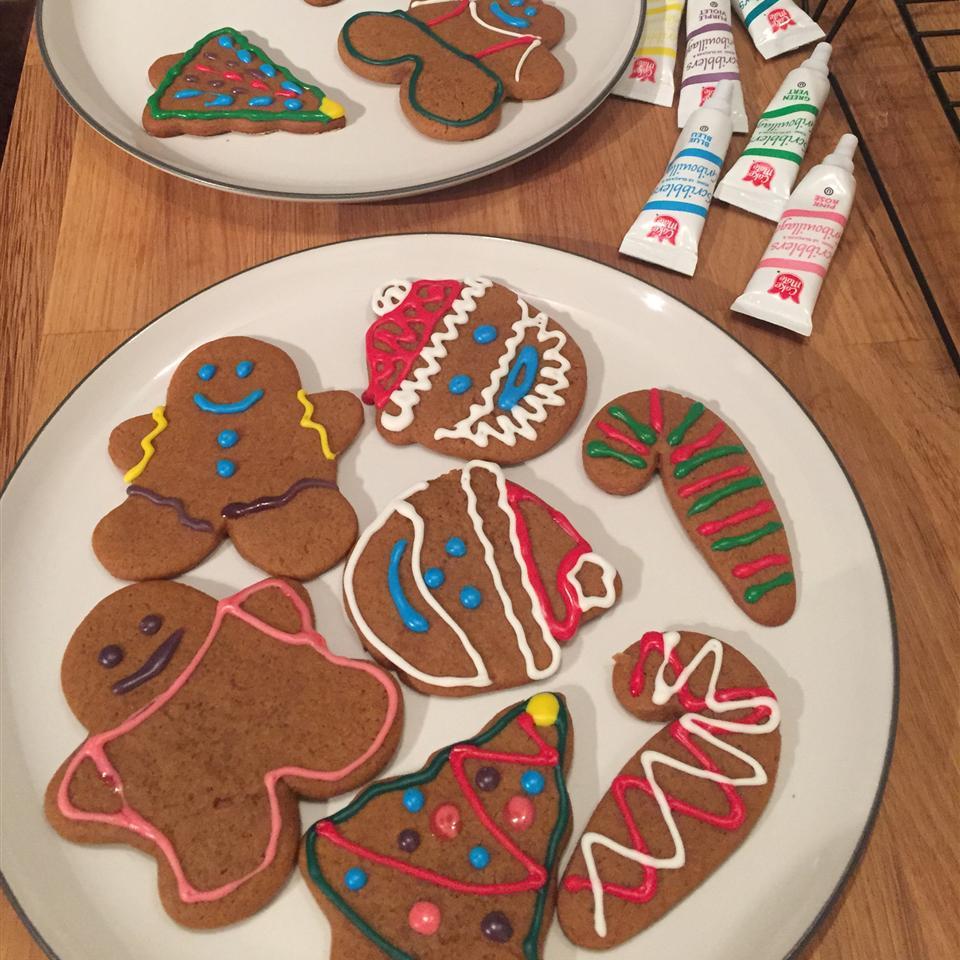 Eileen's Spicy Gingerbread Men Laura McClemont