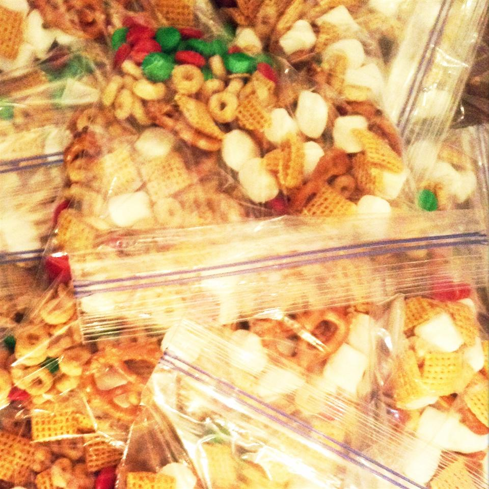 Christmas Snack Mix Jenni Elisabeth Rocha