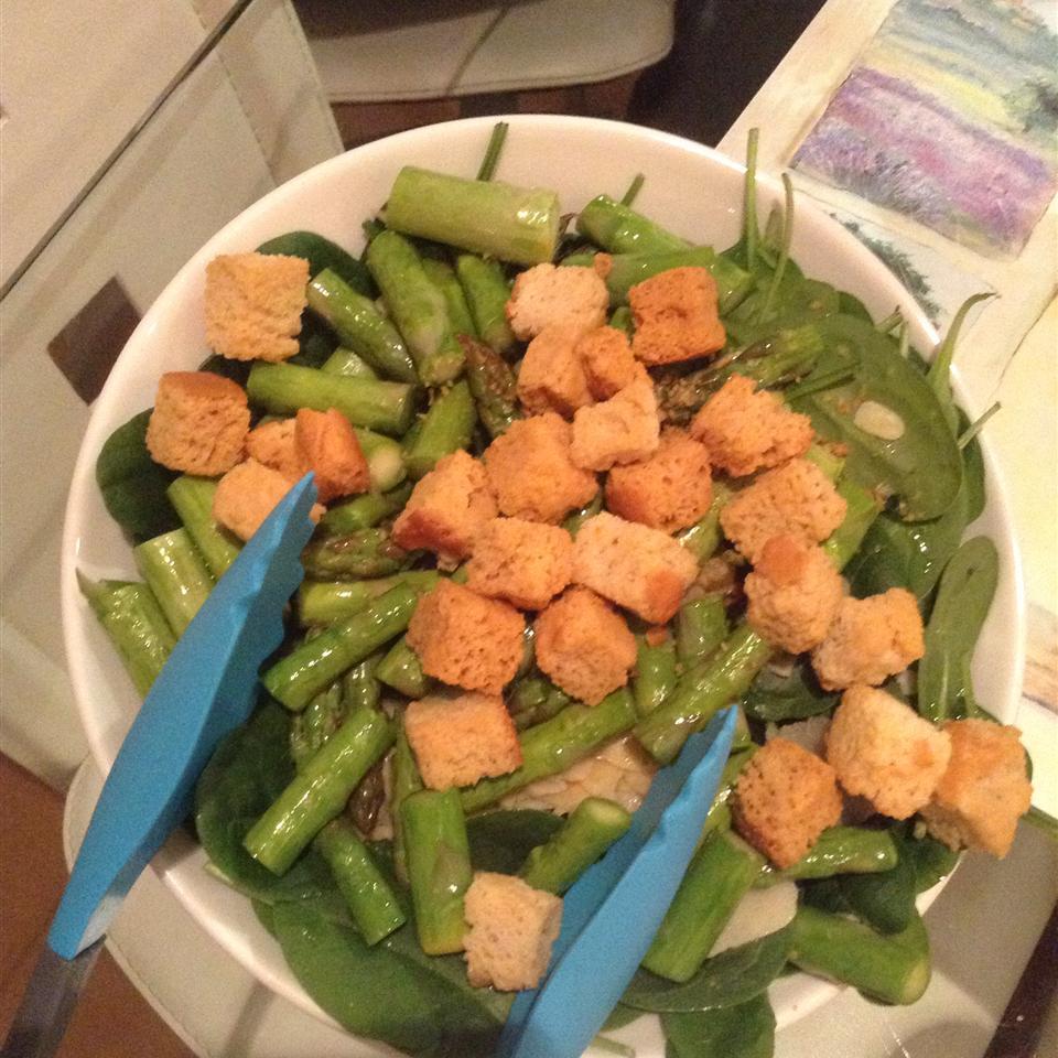 Grilled Asparagus Salad Gemstariey