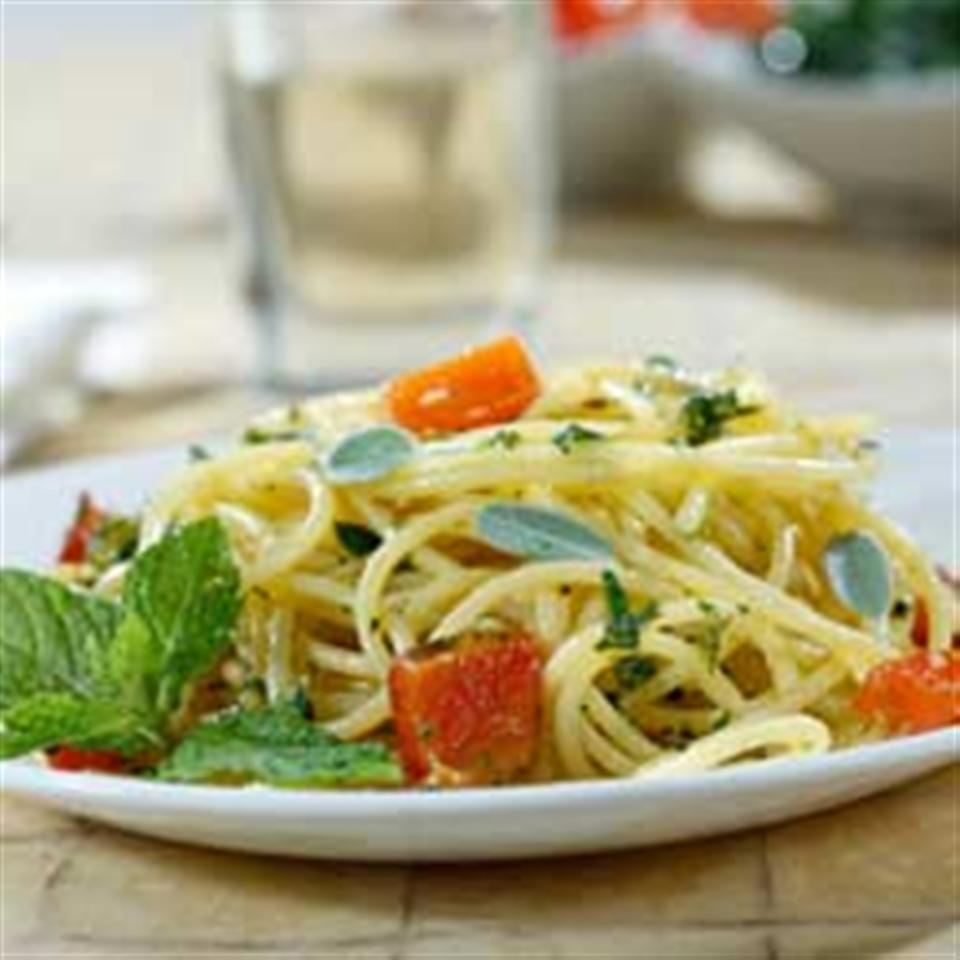 Gluten Free Spaghetti with Diced Potatoes, Roasted Peppers & Aromatic Herb Pesto Trusted Brands