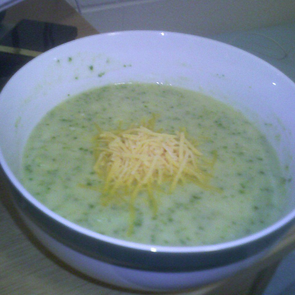 Cheese and Broccoli Chicken Soup oojeamoeoo