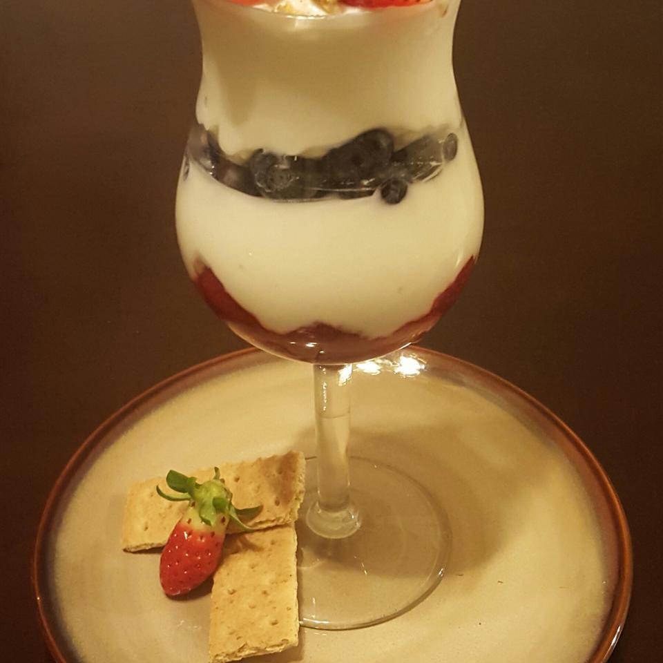 Vanilla Berry Parfaits KellyDB