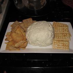Garlic Cheese Ball kwing10101010