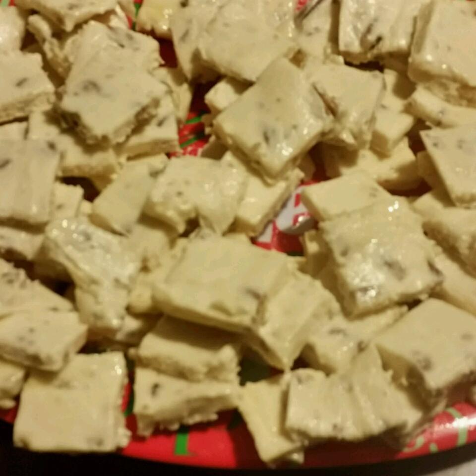 "White Chocolate Fudge with Pecans missy ""lightskinmama"" missy"