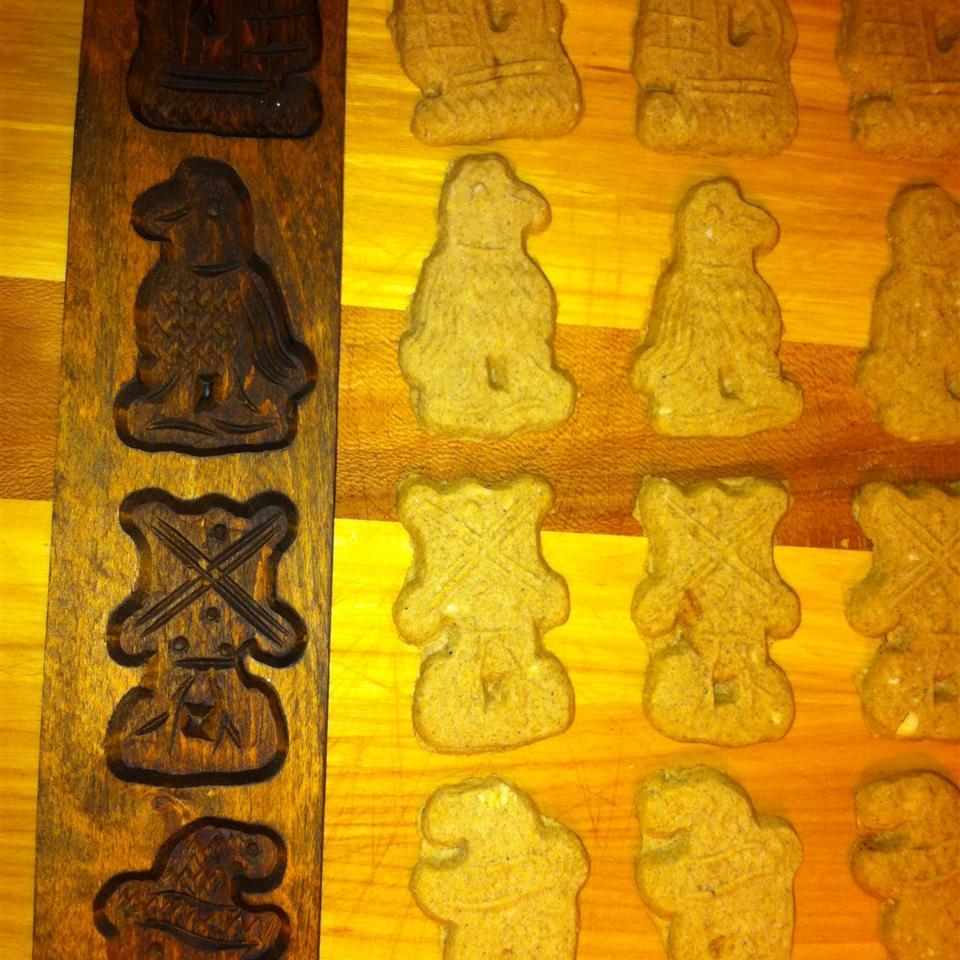 Speculaas Cookies or Spicy Sinterklass Cakes mamabeth