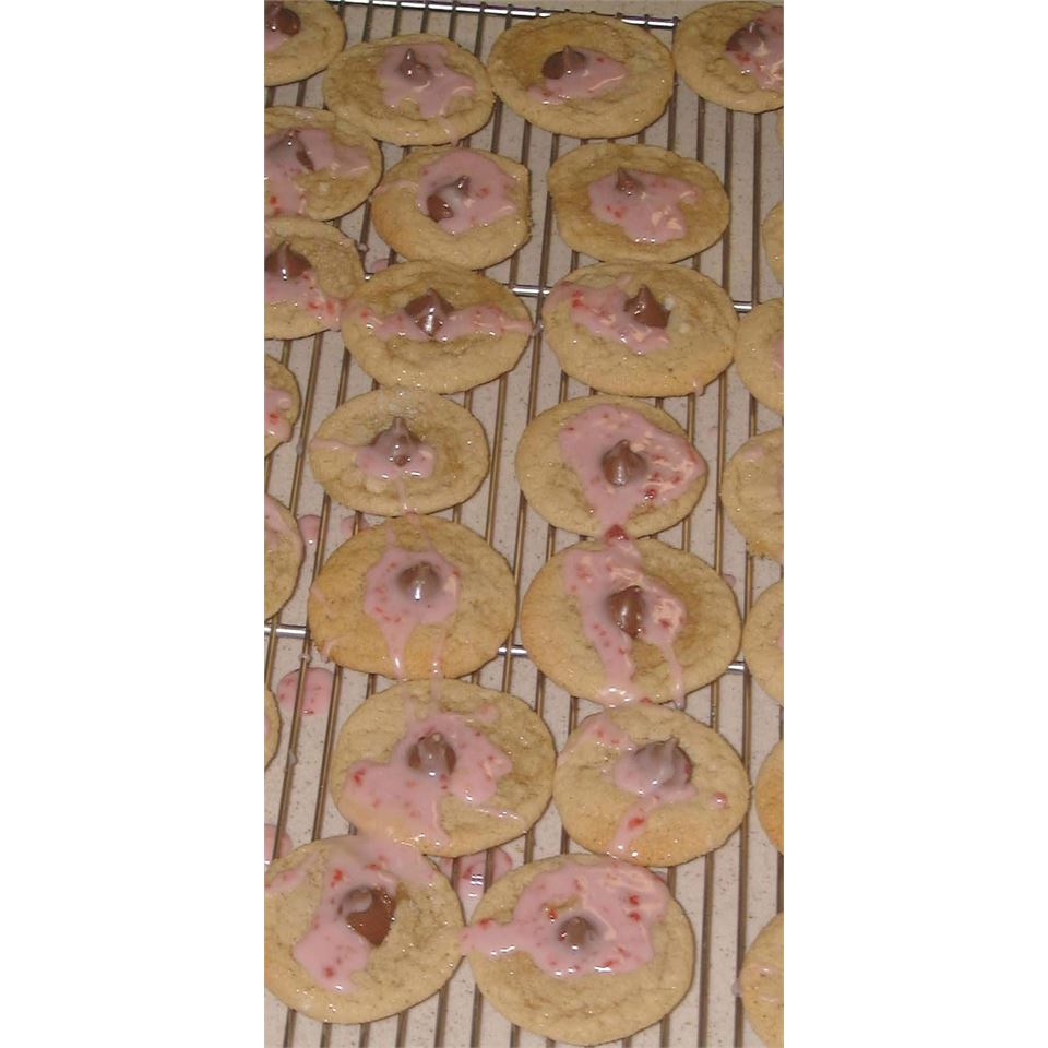 Raspberry Almond Kiss Cookies Trixie