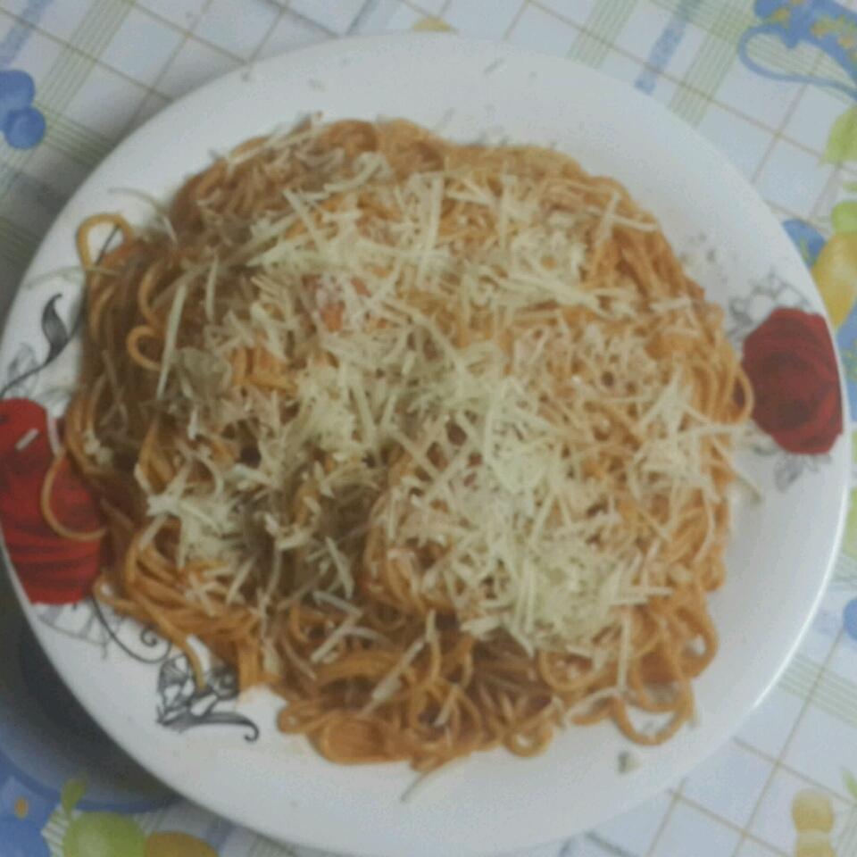 Tomato and Garlic Pasta