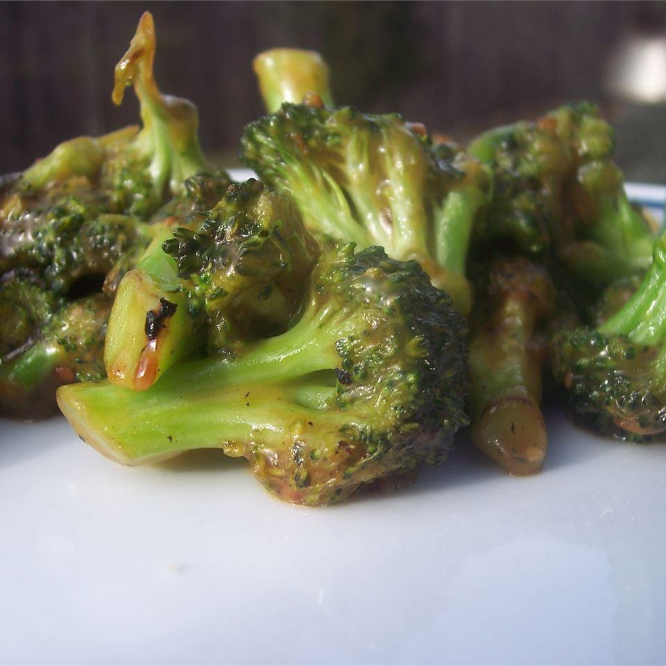 Stir-Fry Broccoli With Orange Sauce USA WEEKEND columnist Jean Carper