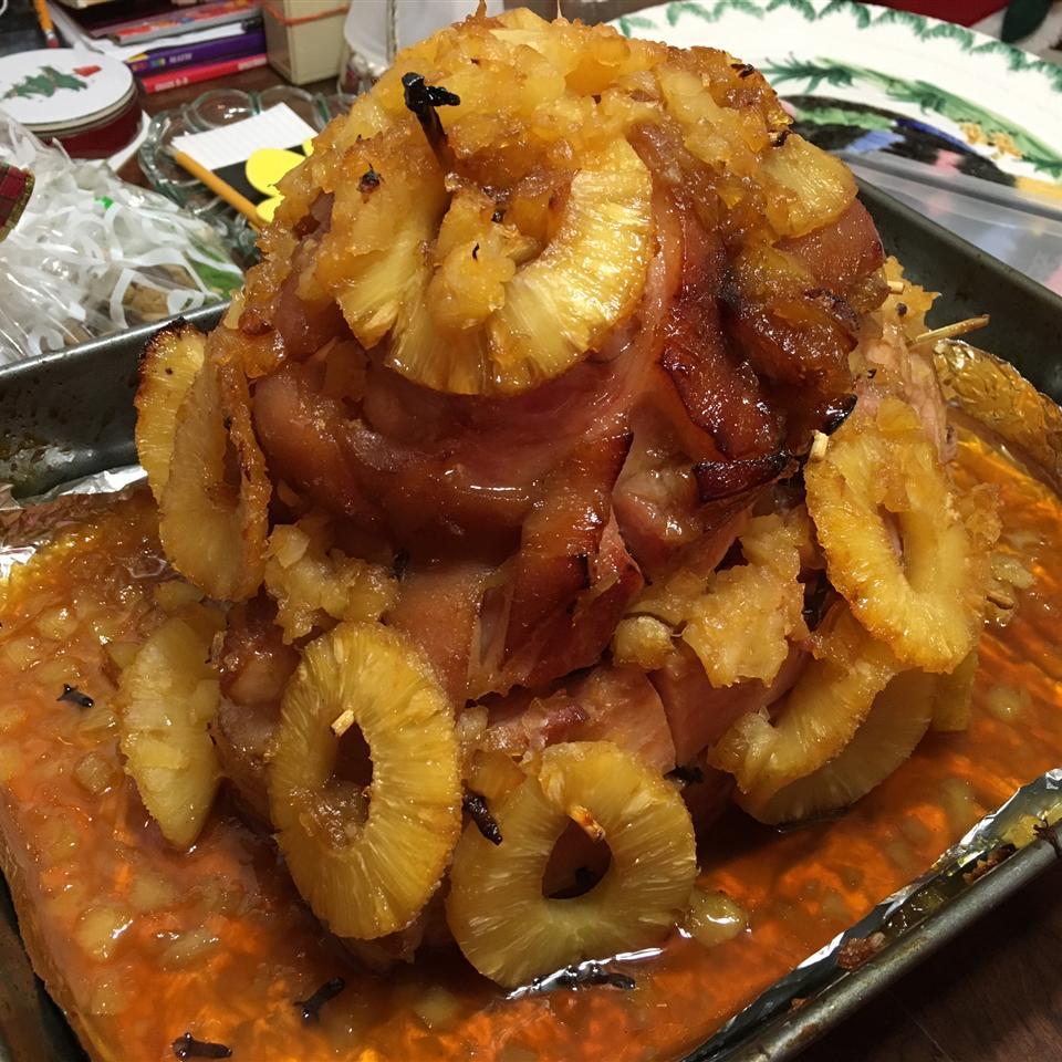 Pineapple Brown Sugar Glazed Ham joanie