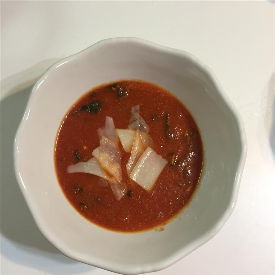 Tomato Spinach and Basil Soup