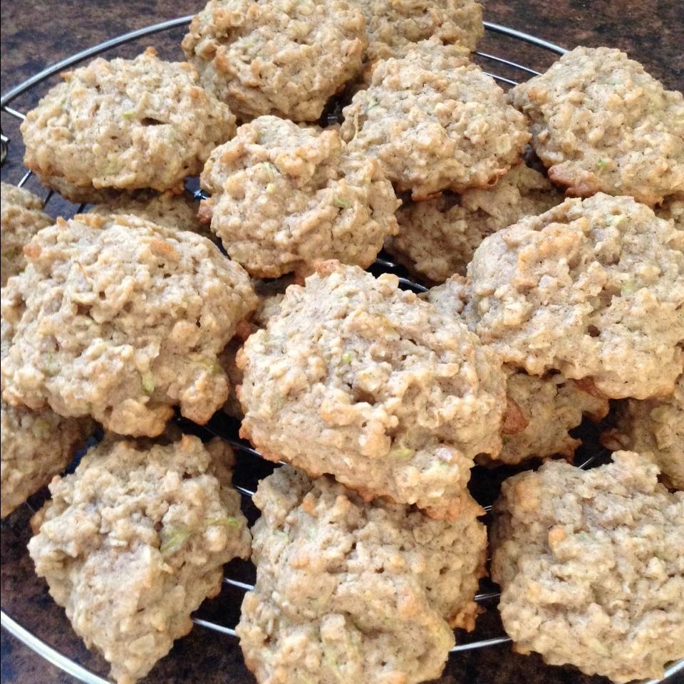 Peanut Butter Oatmeal Zucchini Cookies
