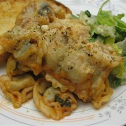 Easy, Cheesy Tortellini Bake EFasse