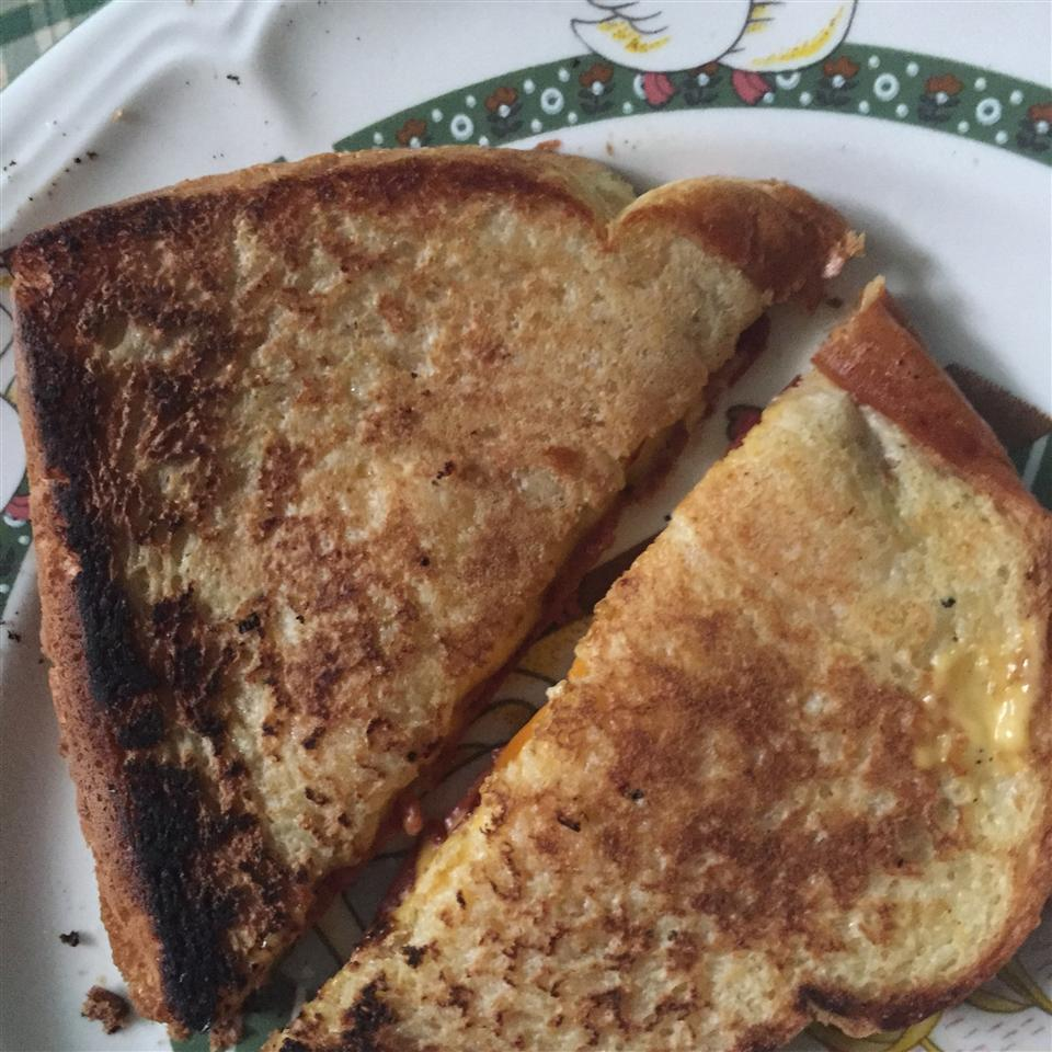 Tomato Bacon Grilled Cheese Kayanah