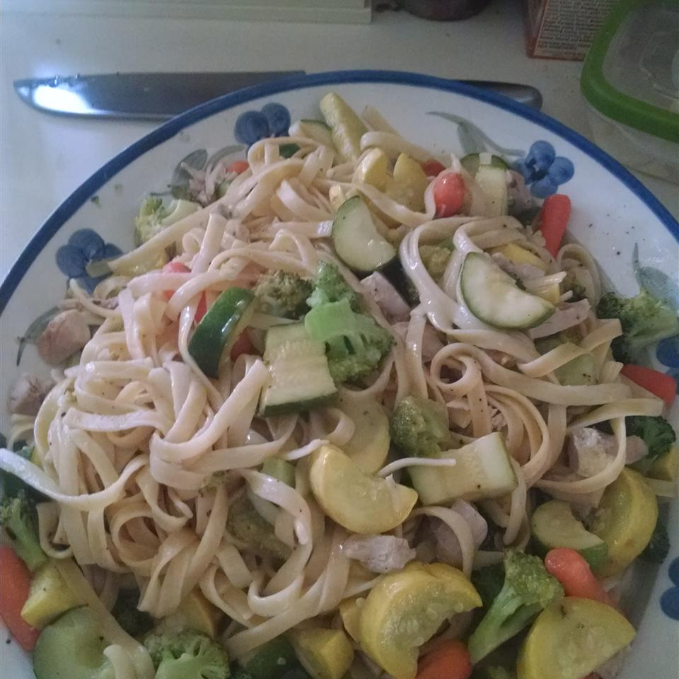 Lemon Pepper Pasta with Chicken and Vegetables Sheryl Youell