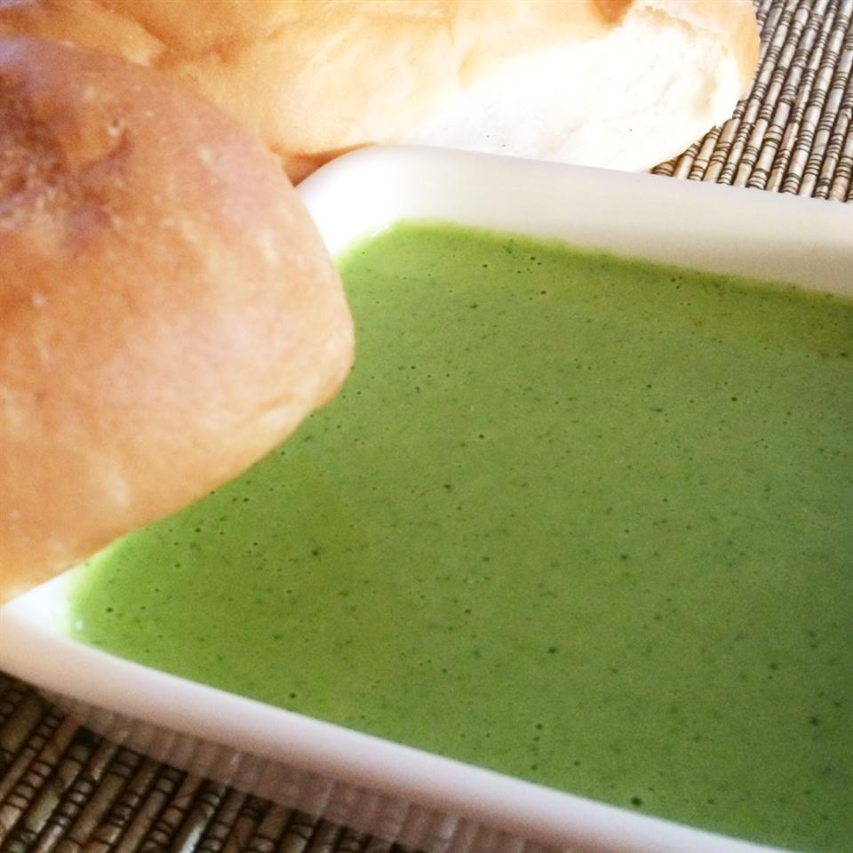Peruvian Green Chile Sauce (Aji Verde)
