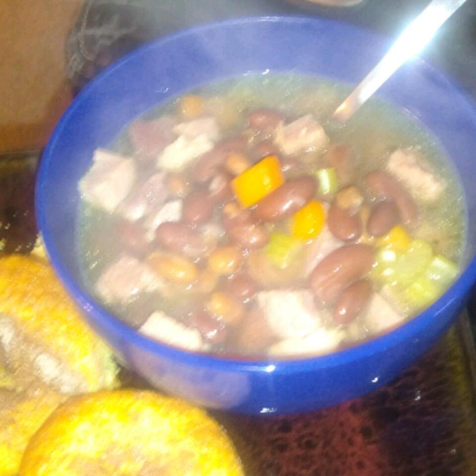 Quick Ham and Bean Soup kristen Ross