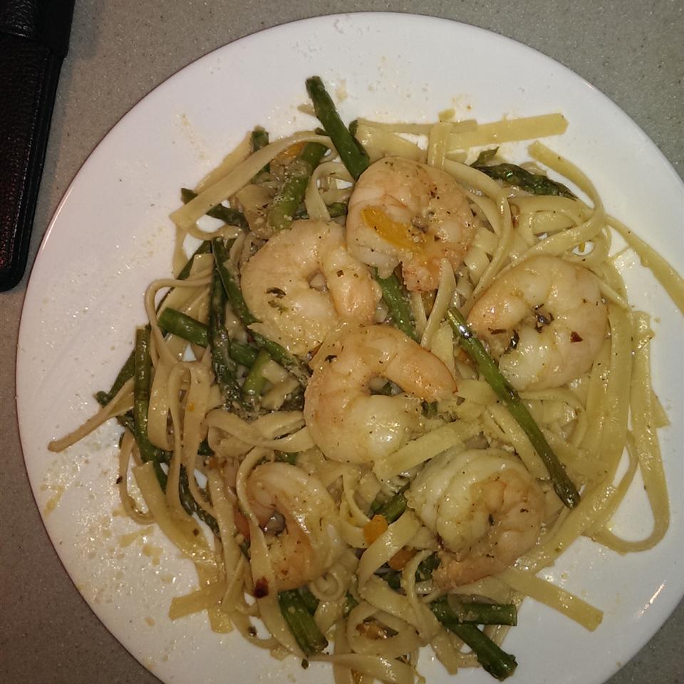 Shrimp and Asparagus with a Louisiana Twist Daren Earle