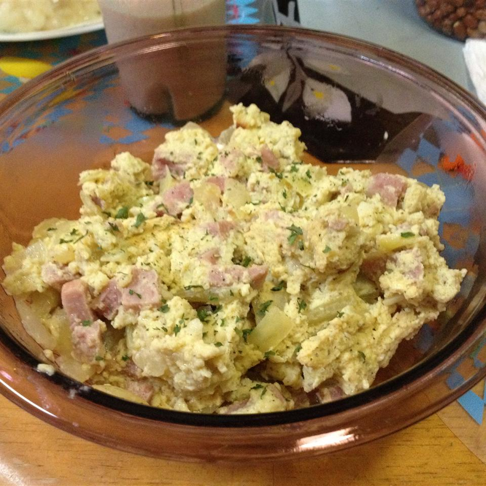 Green Garlic and Ham Scrambled Eggs with Cheese weirdooass