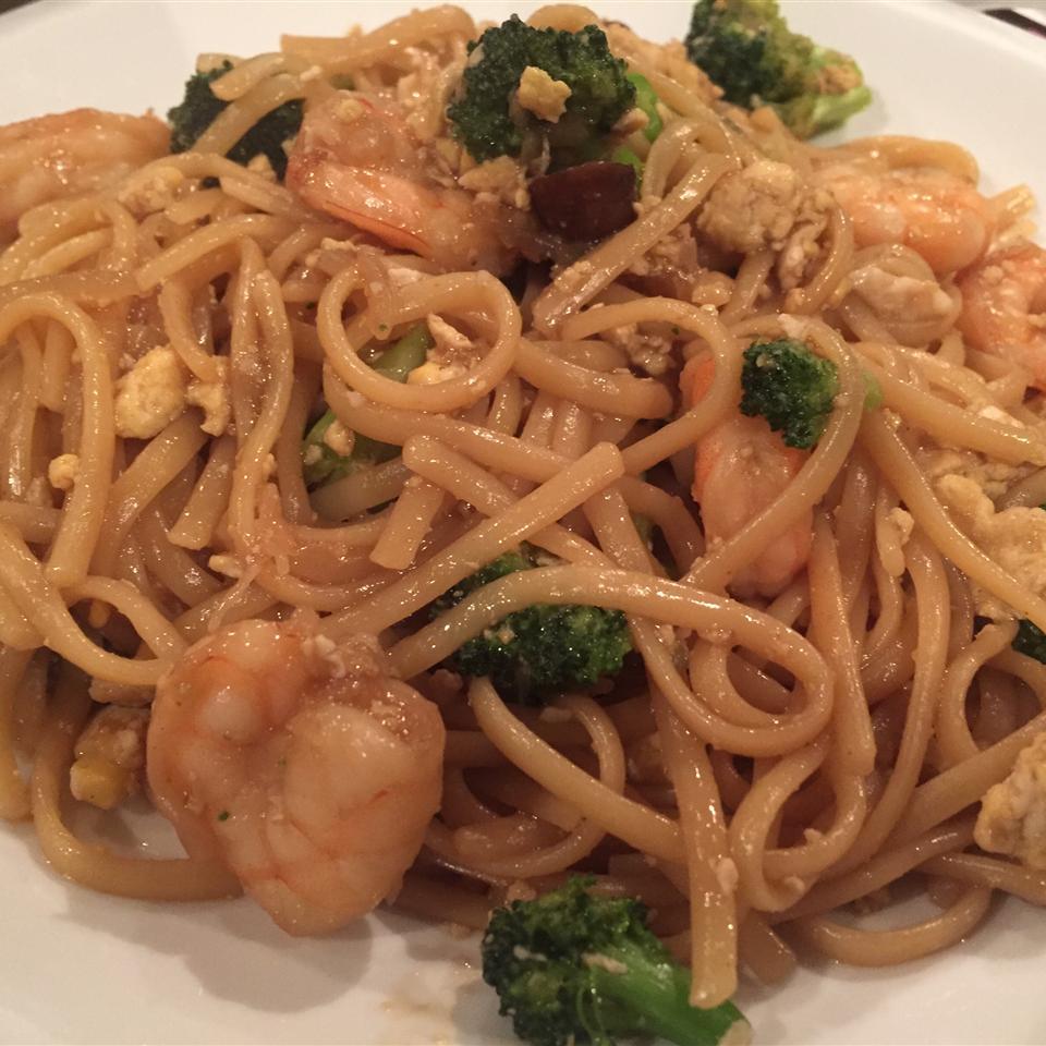 Shrimp Lo Mein with Broccoli Jenny