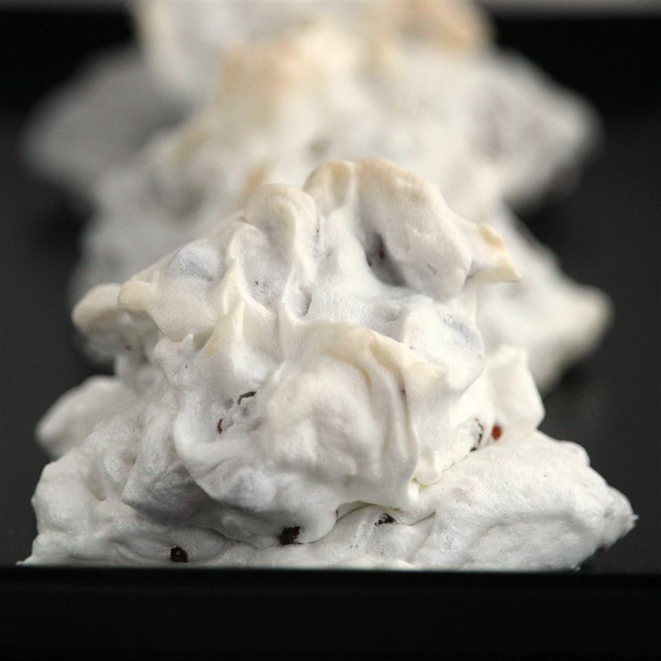 Forgotten Puffs (Chocolate Chip Meringue Cookies) Buckwheat Queen