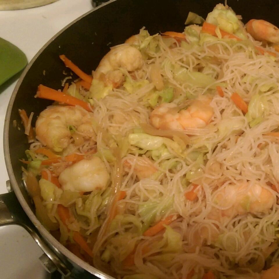 Quick and Easy Pancit Amy Stendal