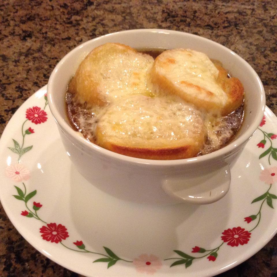 Restaurant-Style French Onion Soup Colene Meusborn