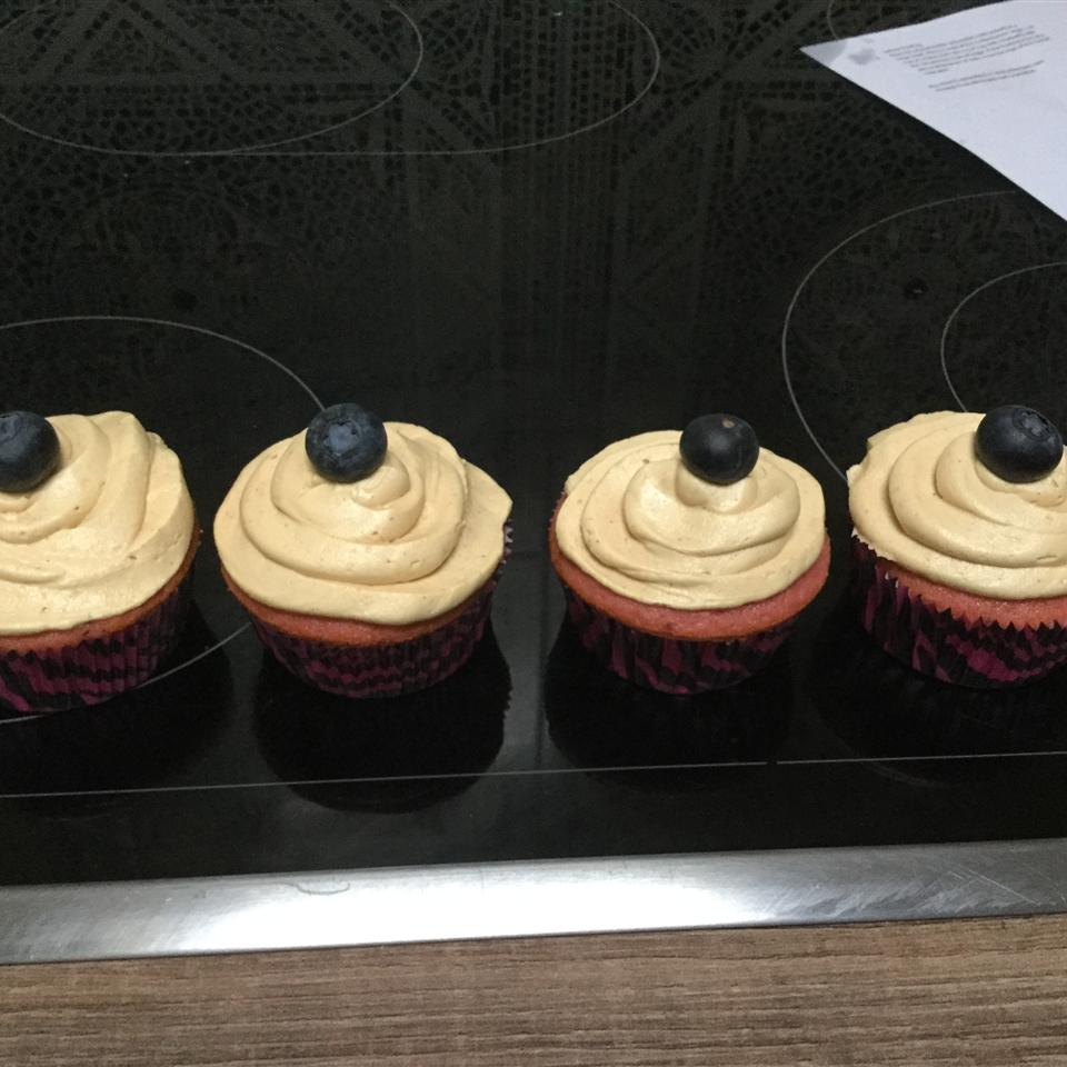 PBJ Cupcakes - Berry Cupcakes with Peanut Butter Frosting Danielle Von Taube