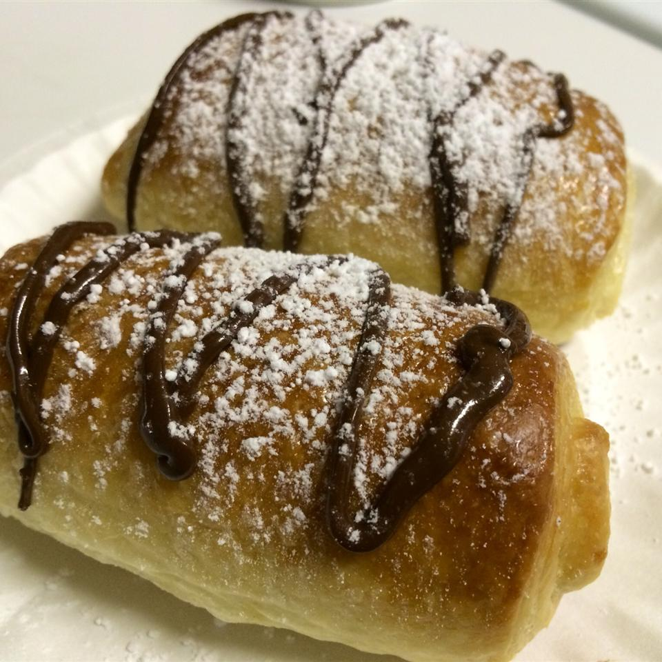 Pain au Chocolat (Chocolate-Filled Croissant)