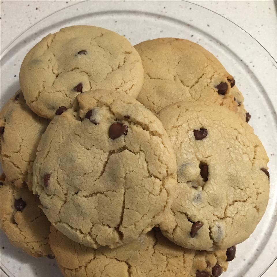 Chewy Jumbo Chocolate Chip Cookies Amybelle99
