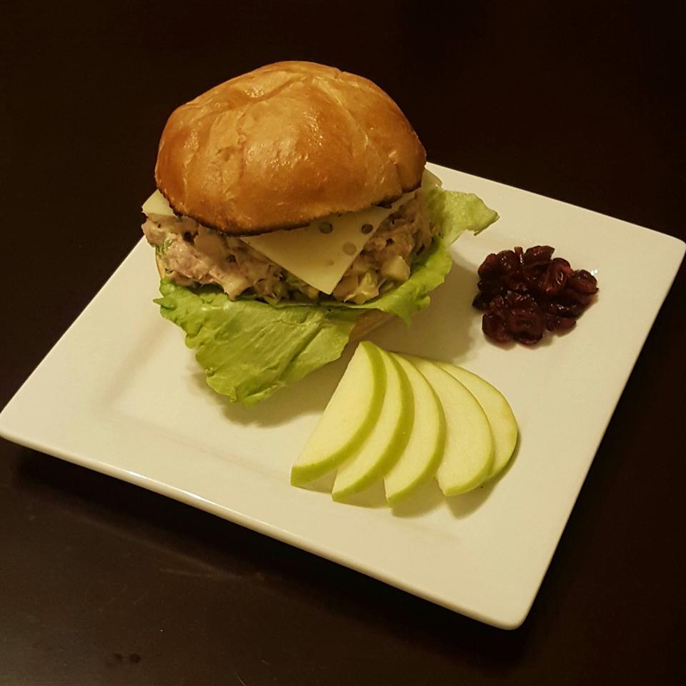 Darra's Famous Tuna Waldorf Salad Sandwich Filling