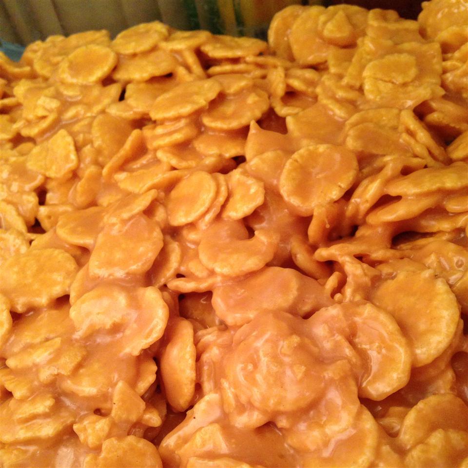 Peanut Butter Cornflake Crunch Bars MRohrer
