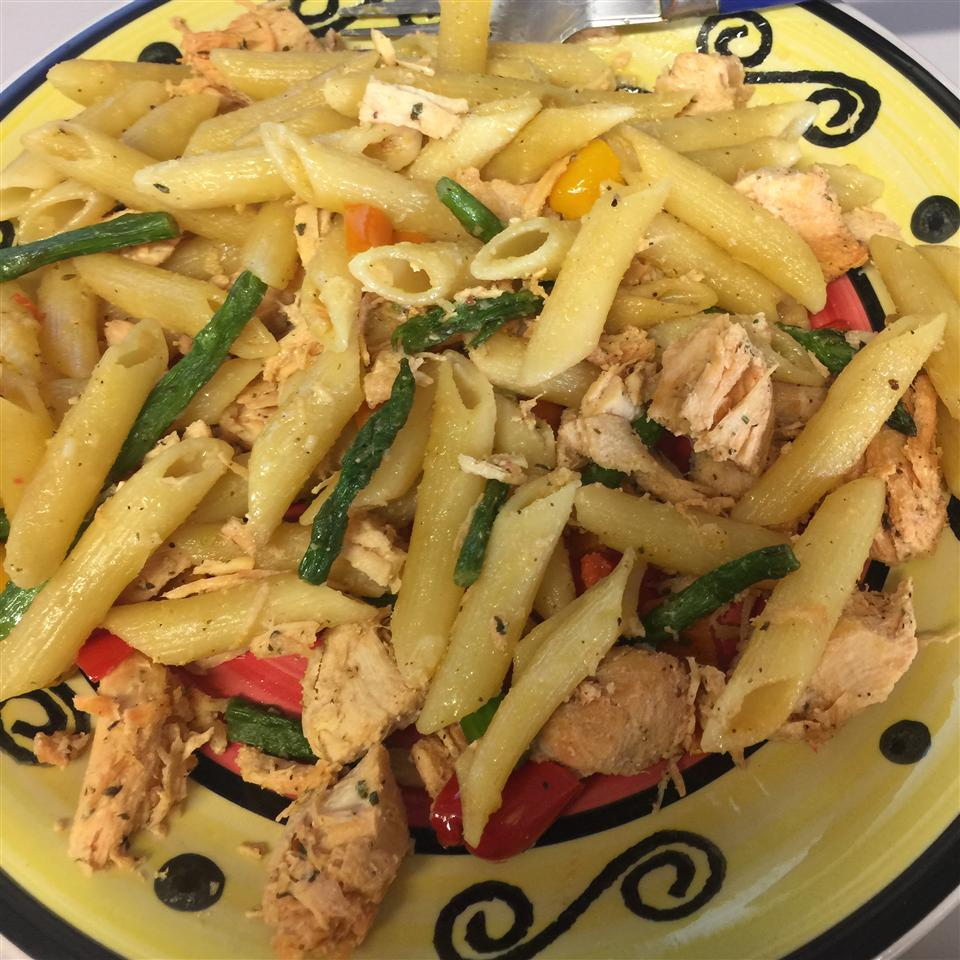 Chicken and Asparagus with Penne Pasta galarza7480