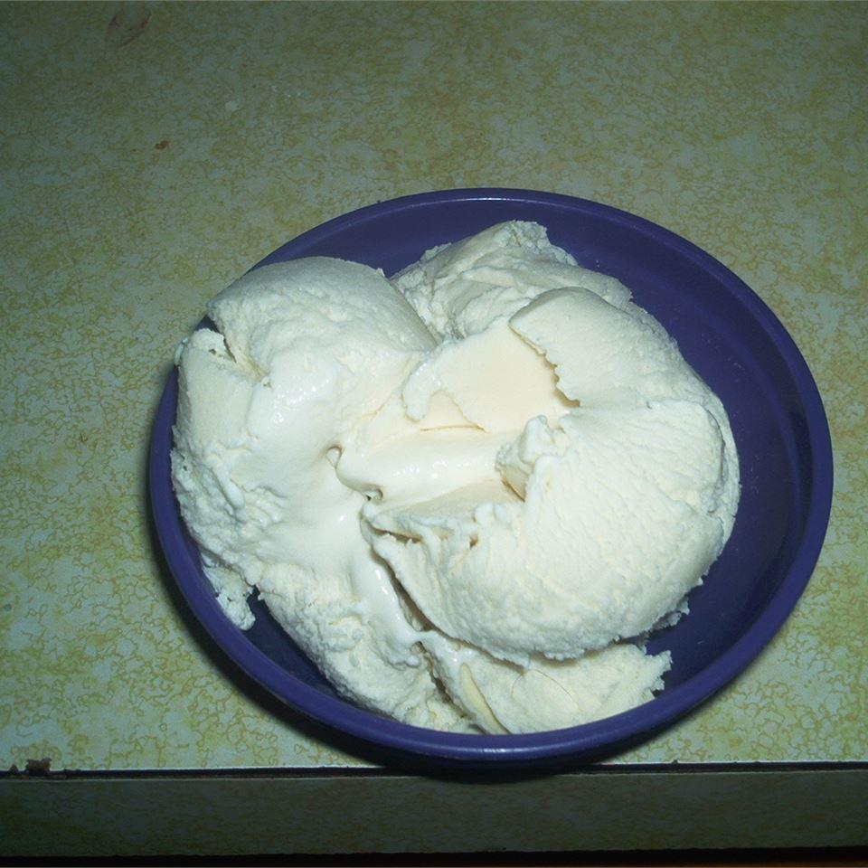 Easy Homemade Vanilla Ice Cream
