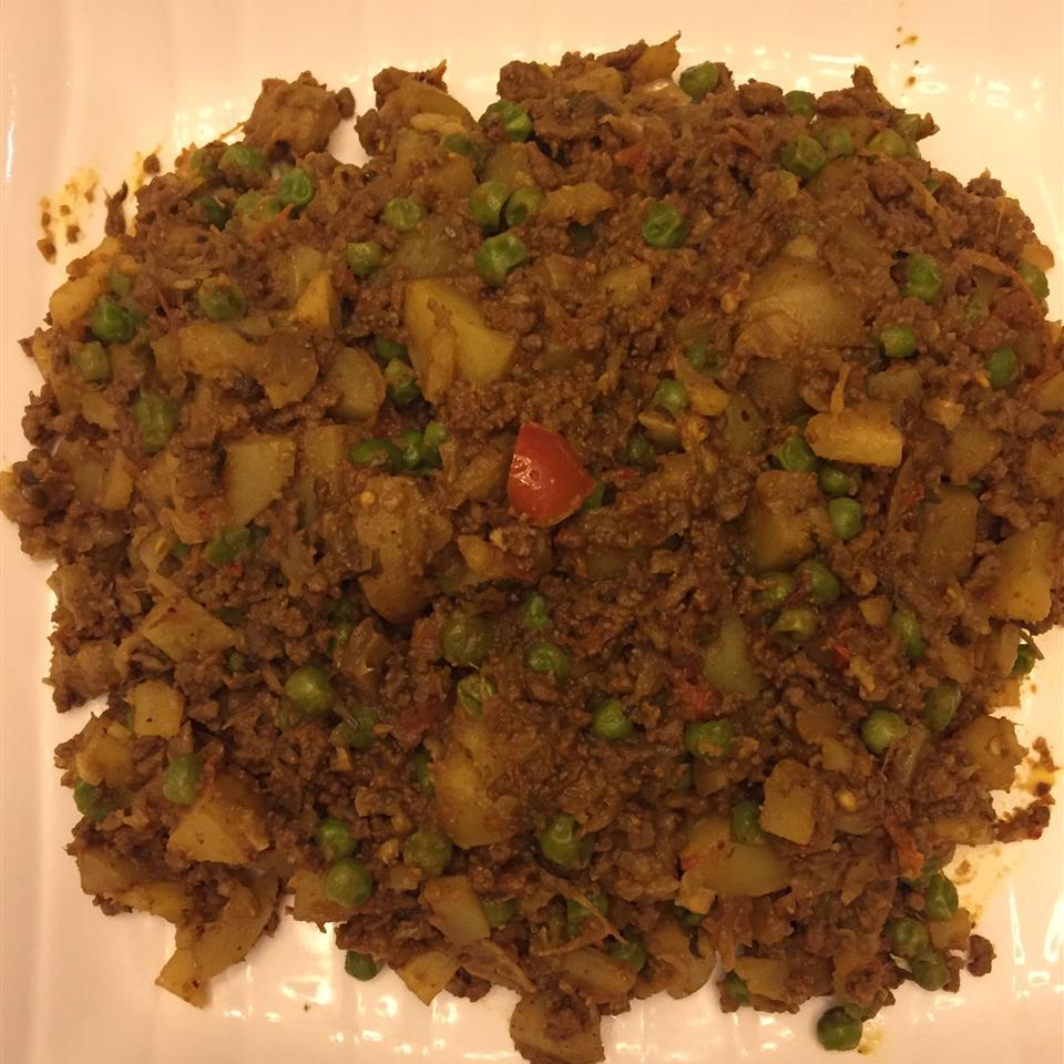 Keema Aloo (Ground Beef and Potatoes)