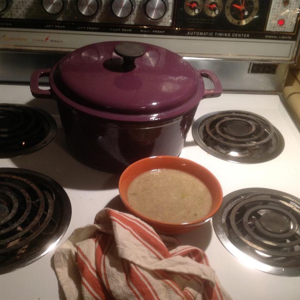 Roasted Cauliflower, Garlic, and Leek Soup