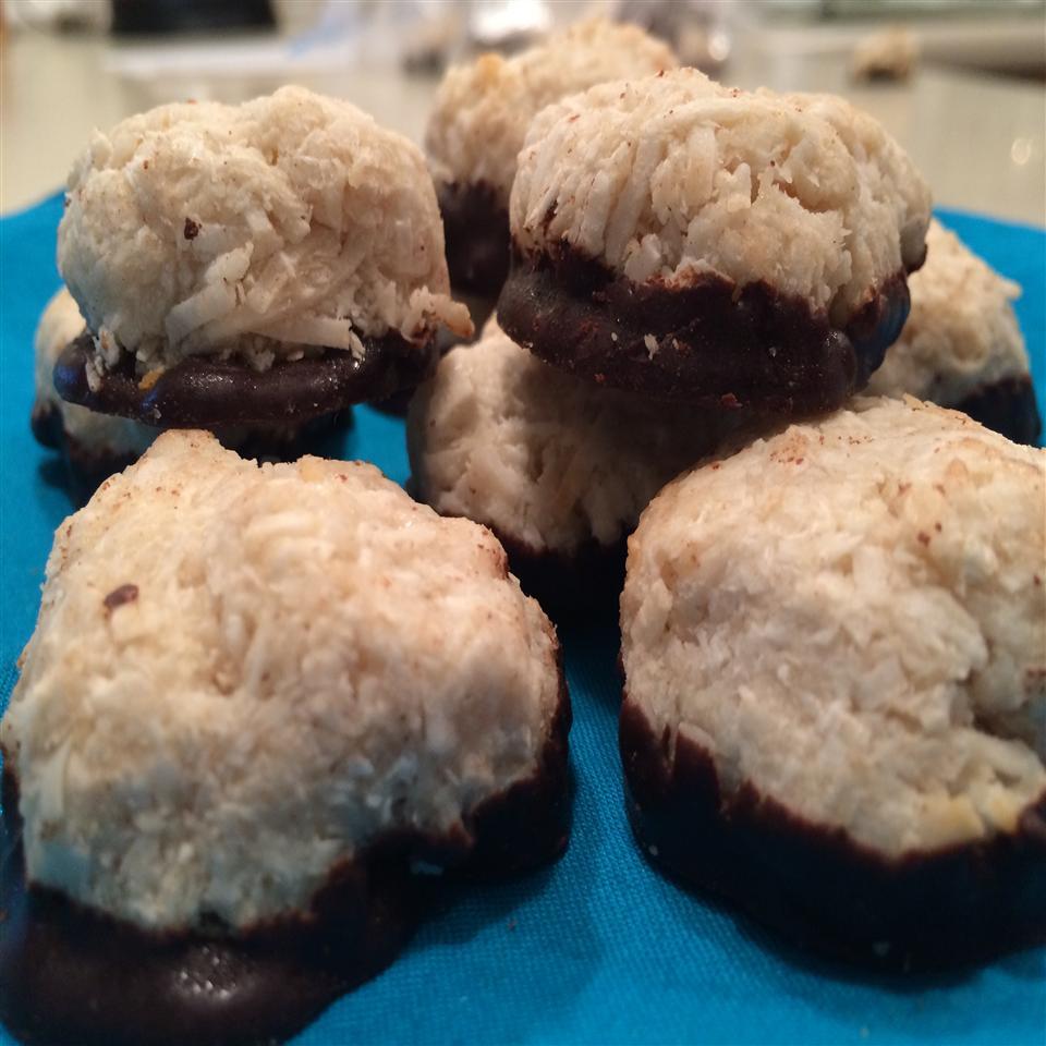 Coconut Vanilla Macaroons (Gluten-Free, Nut-Free) Karie Robertson