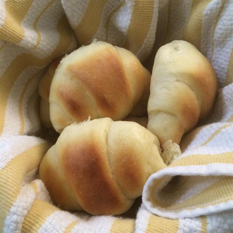 Colleen's Potato Crescent Rolls hughesnea