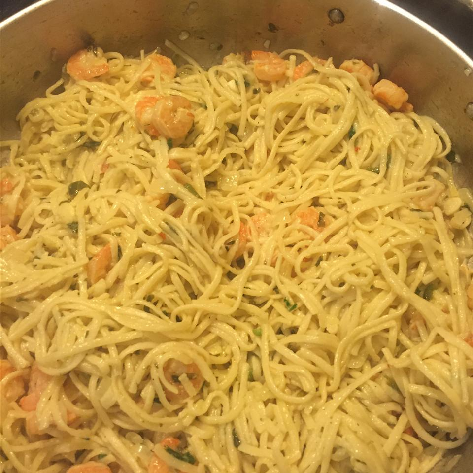 Lemony Garlic Shrimp with Pasta Laurie