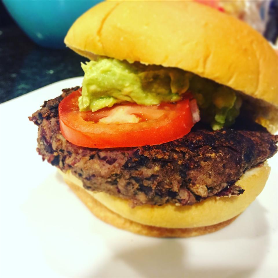 Smoky Black Bean Burgers tarkwaneats