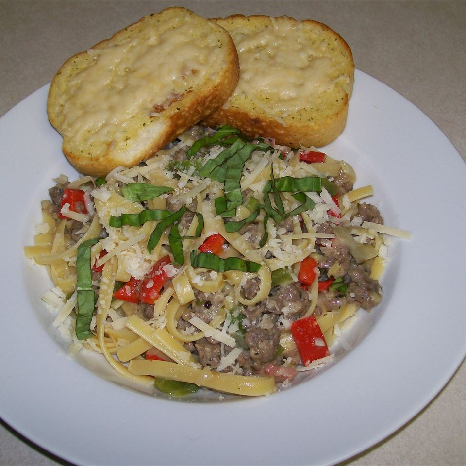 Linguine with Peppers and Sausage Kitchen QB