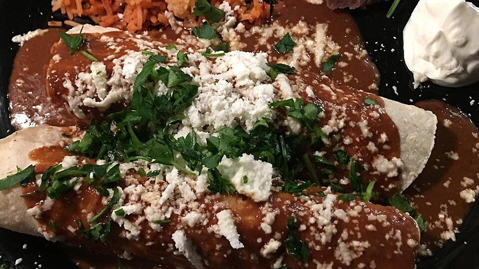 Chicken Enchiladas With Mole Sauce