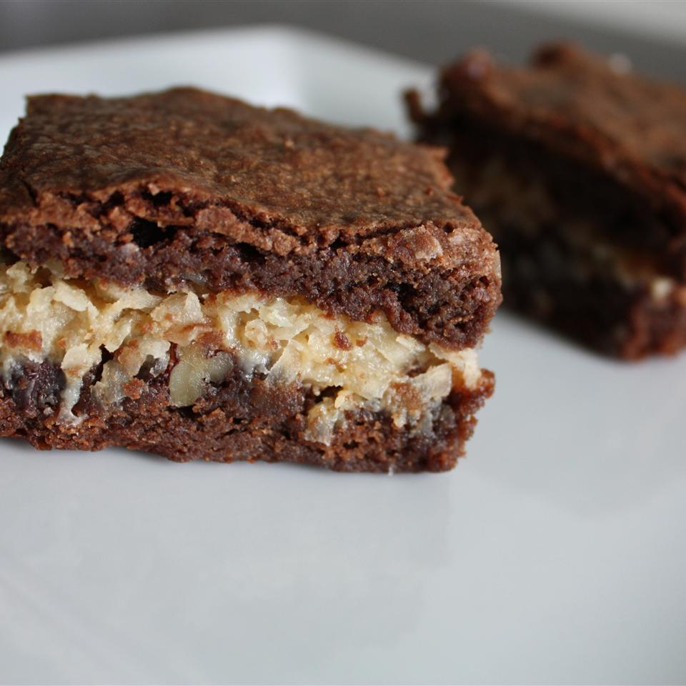 A rich layer of coconut macaroon is layered between homemade chocolate brownies, and there goes your will power. Some reviewers use unsweetened coconut, and some use sweetened. What you choose to do is between you and your sweet tooth.