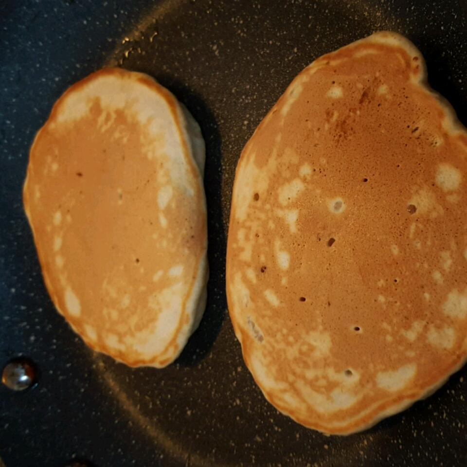 Banana Brown Sugar Pancakes pj