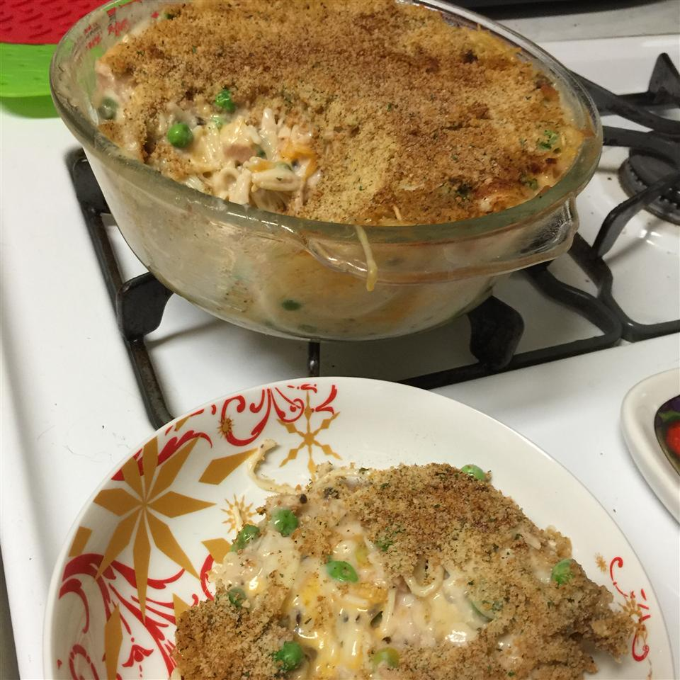 Tuna Noodle Casserole with Potato Chips Sherry614