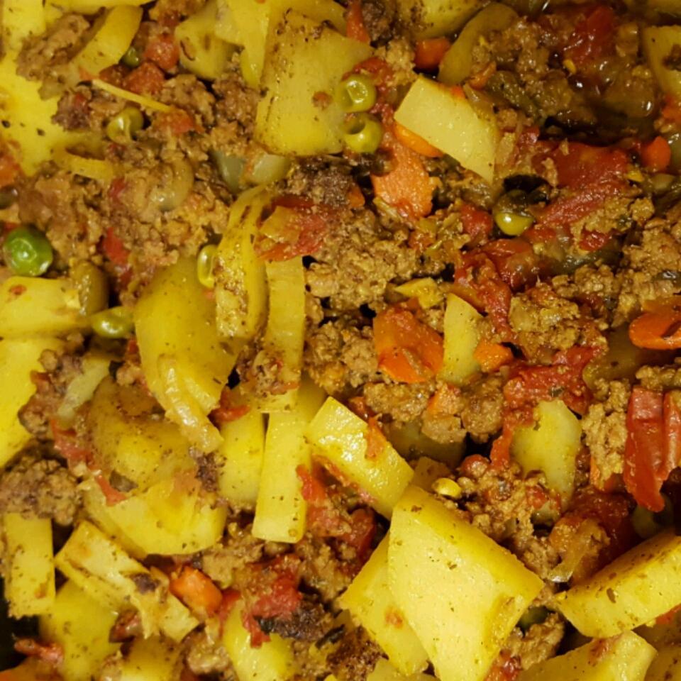 Keema Aloo (Ground Beef and Potatoes) Ladypearl