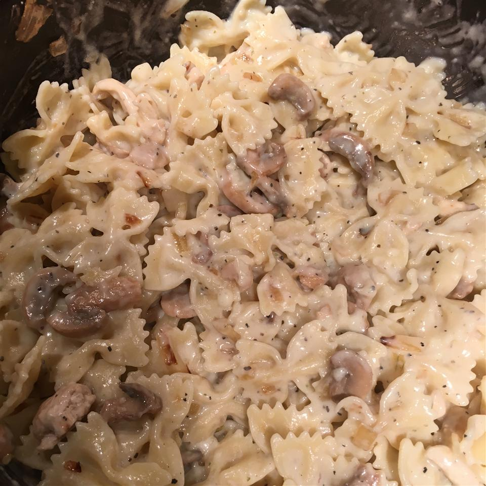Creamy Garlic Chicken Pasta Azmeena