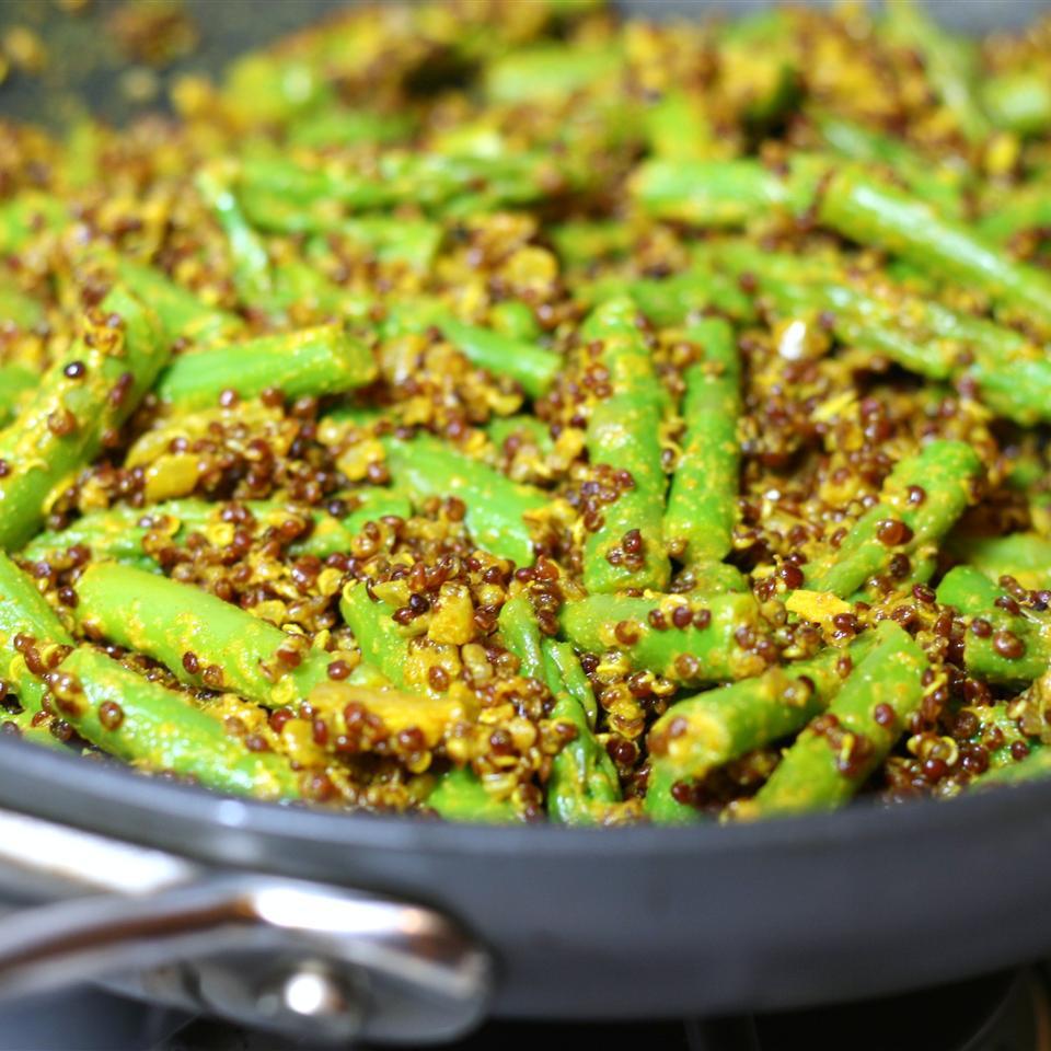 Crunchy Lemon Quinoa and Asparagus Bowl